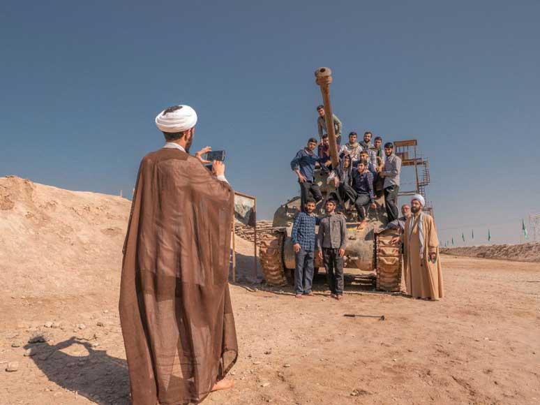 شلمچه، موزه جنگ ایران و عراق: پیکنیک و سربازگیری برای بشار اسد