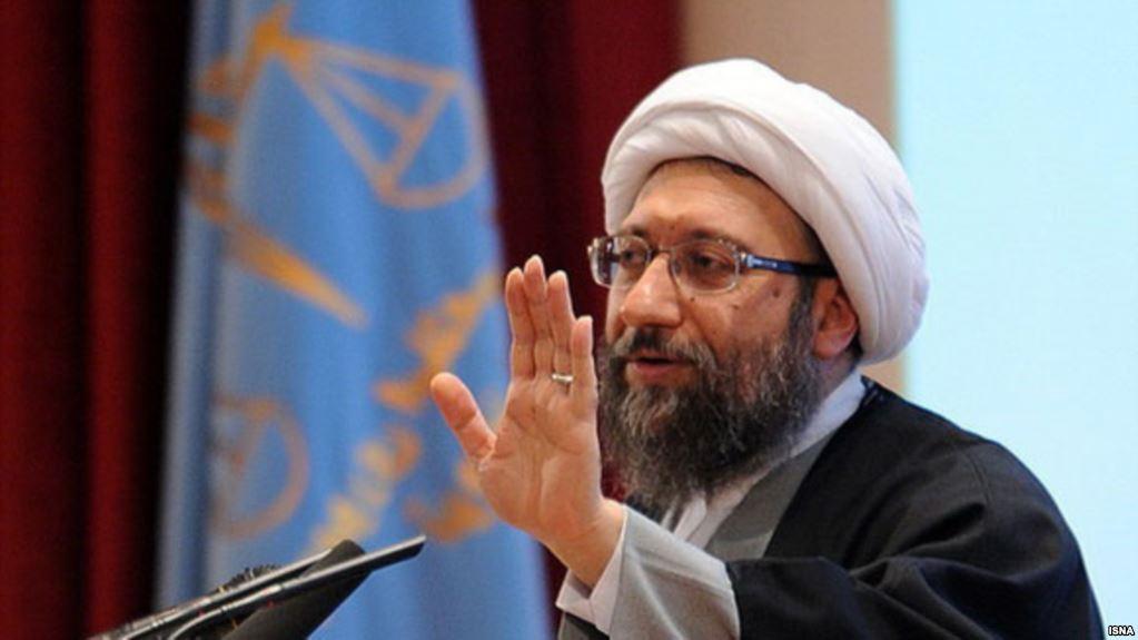 لاریجانی سخنان ظریف درباره پولشویی را به «خنجری در قلب نظام» تشبیه کرد