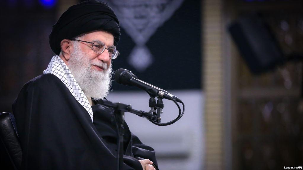 نهادهای زیر نظر علی خامنهای؛ مجموعههایی با ابهام قانونی