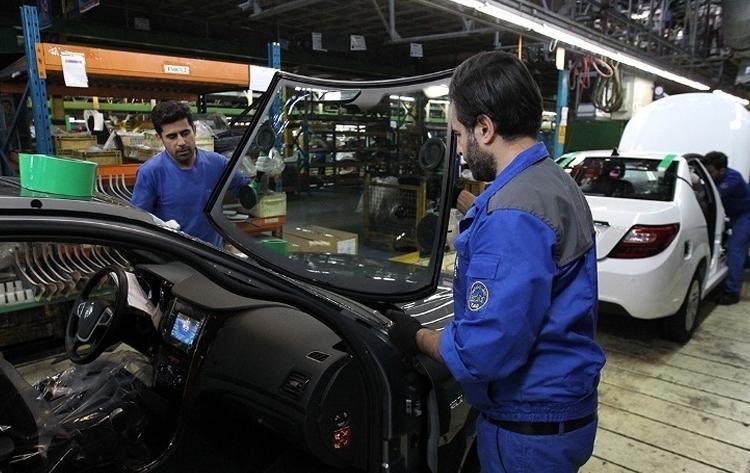 ایران خودرو و سایپا در آستانه واگذاری/ داستان تلخ خصوصی سازی در انتظار شرکتهای خودروساز