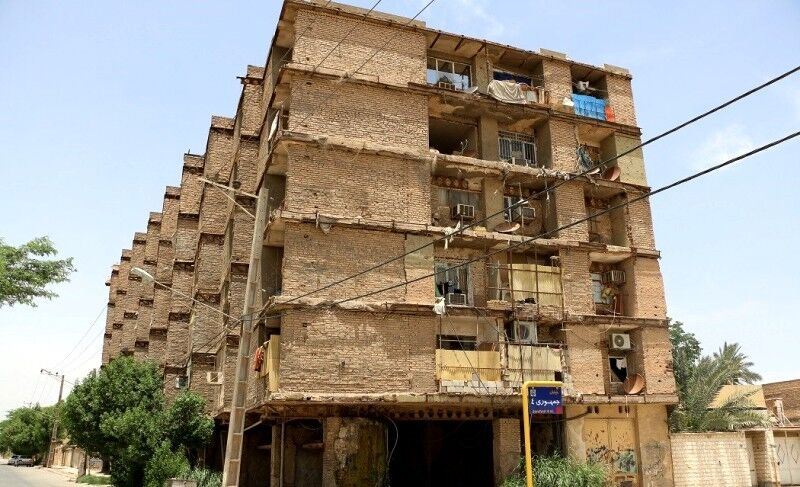 """زندگی با موشها در """"خطرناکترین مجتمع مسکونی خرمشهر"""""""
