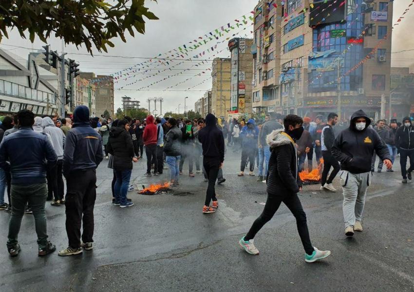 بازداشت خانه به خانه معترضان از تهران و شیراز و اصفهان تا سیرجان و چرداول