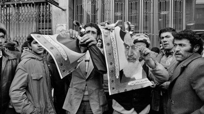 روزی که عکسهای آیتالله خمینی پاره شدند
