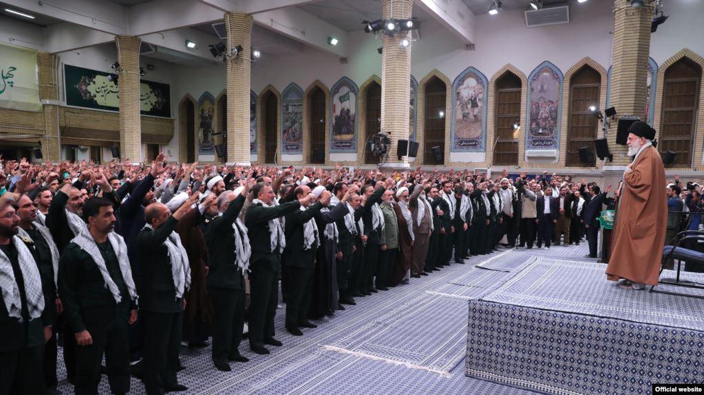لقمه بزرگ در گلوی رهبر جمهوری اسلامی