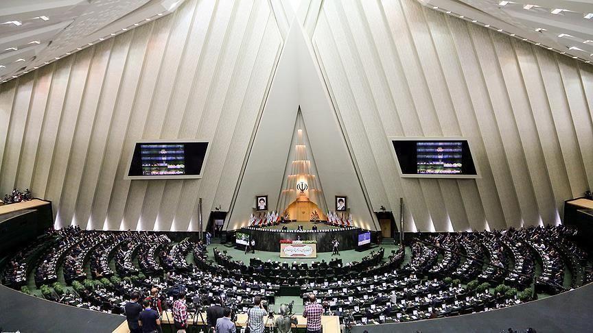 علی لاریجانی: مجلس در همه امور دخالت نمیکند, مجلس در کجای «امور» است؟