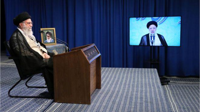 خط قرمز رهبری برای مبارزه با فساد ,خامنهای؛ پشت به خوئینی رو به لاریجانی