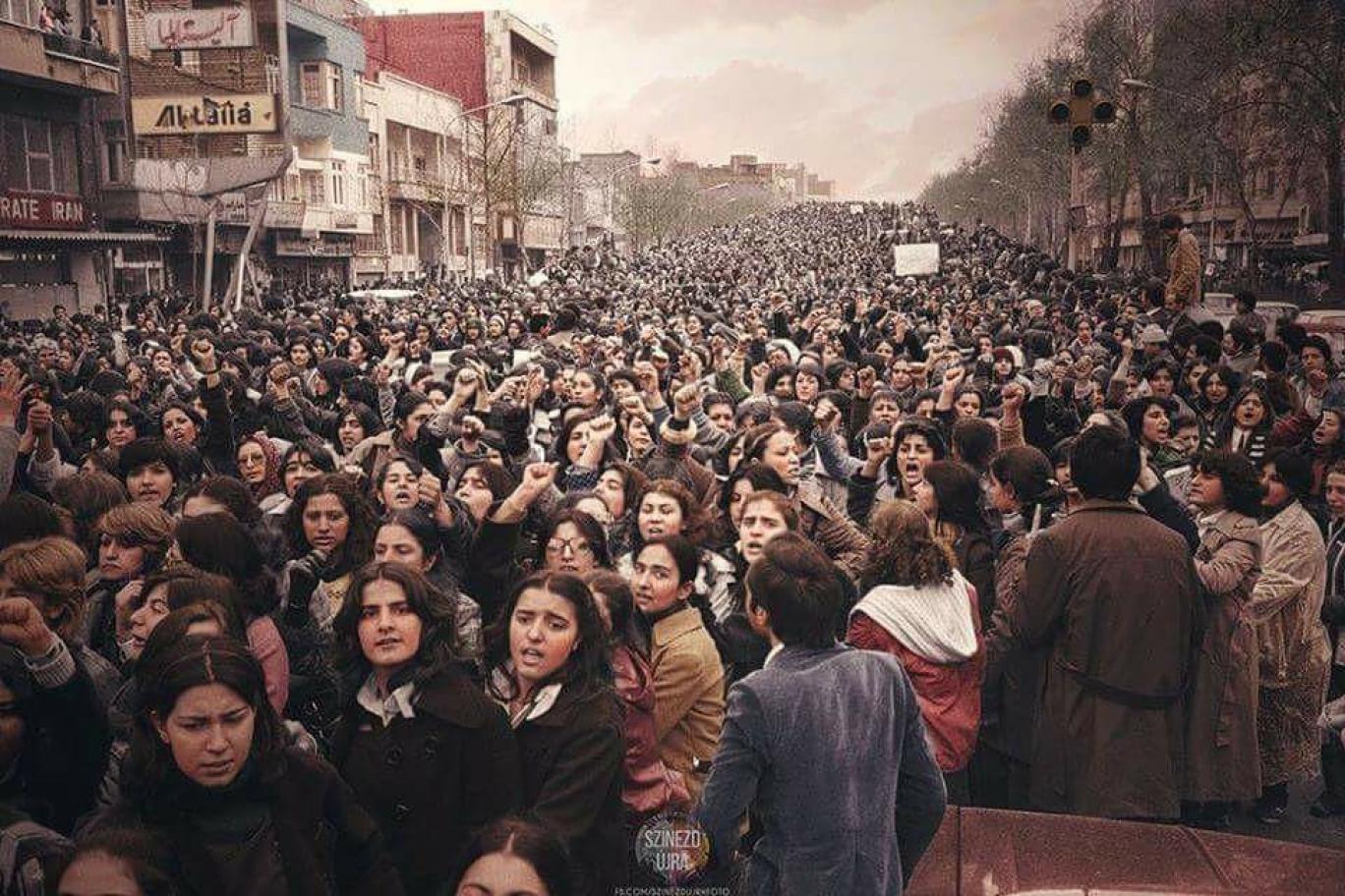 نبرد چهل ساله برای رهایی از ظلم حجاب اجباری, نقش آیتالله خمینی و مرتضی مطهری در تدوین قوانین ضدزن برجسته است