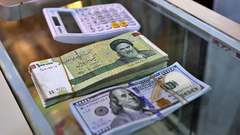 """سود و زیانهای """"قمار"""" با پول ایران در بازار ارز سلیمانیه"""