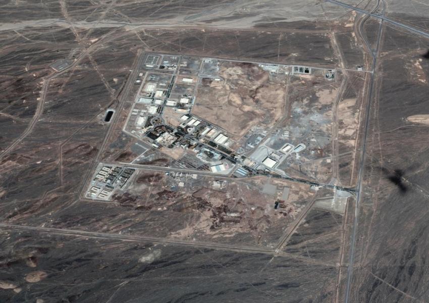 نیویورک تایمز: انفجاری بزرگ، سیستم برق سانتریفیوژهای زیرزمینی نطنز را به طور کامل از بین برد