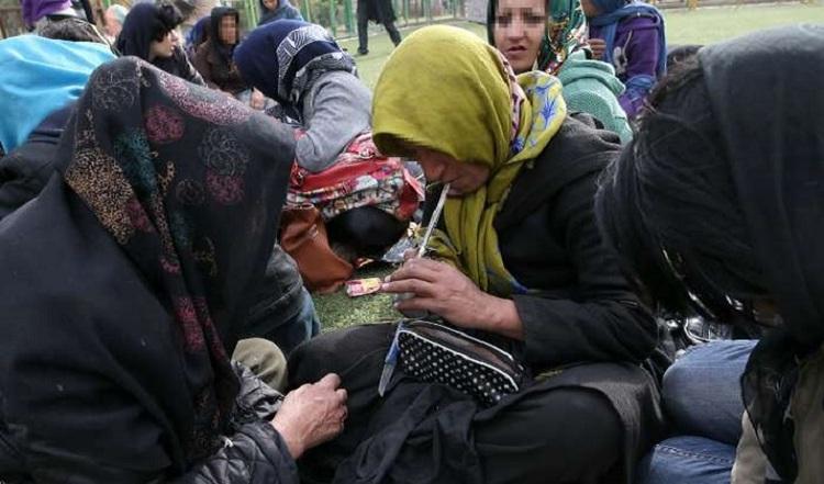 سن کارتن خوابی زنان در ایران به ۱۵ سال رسید